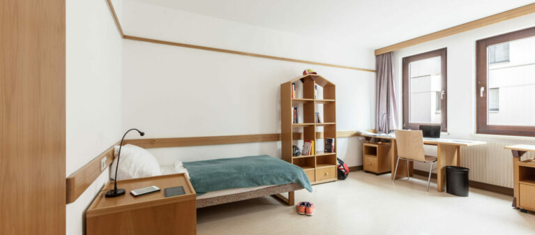 Zweibettzimmer | Studierendenwohnheim Hirschengasse 1060 Wien